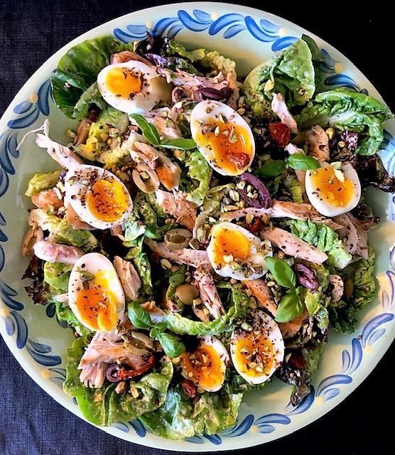 Sallad med kyckling och pistagenötter